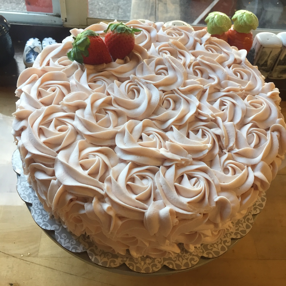 Strawberries & Champagne cake