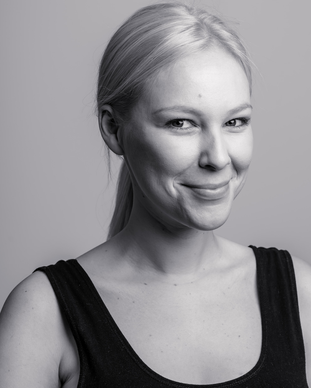 Jeffrey Feng Photography - Milla Headshot B&W-6945 - Cropped.jpg