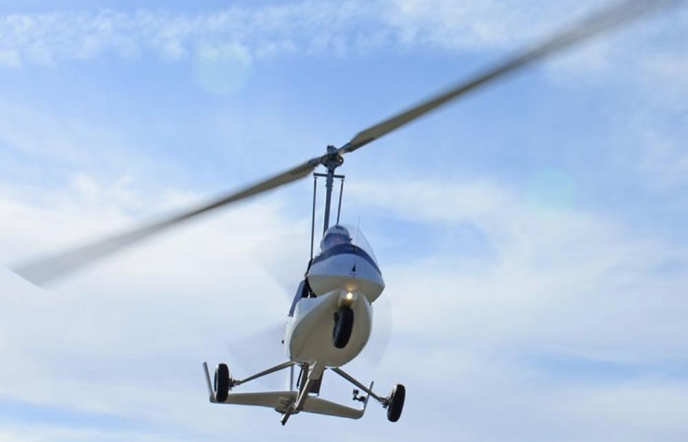 gyrocopter autogiro white rotor