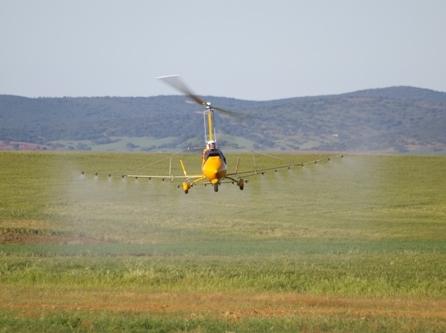 giroafrica ela aviacion agro gyrocopter2