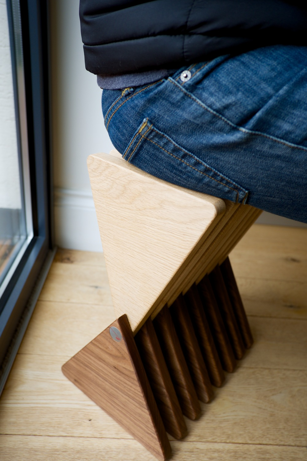 The Vinci Stool - Seating mode