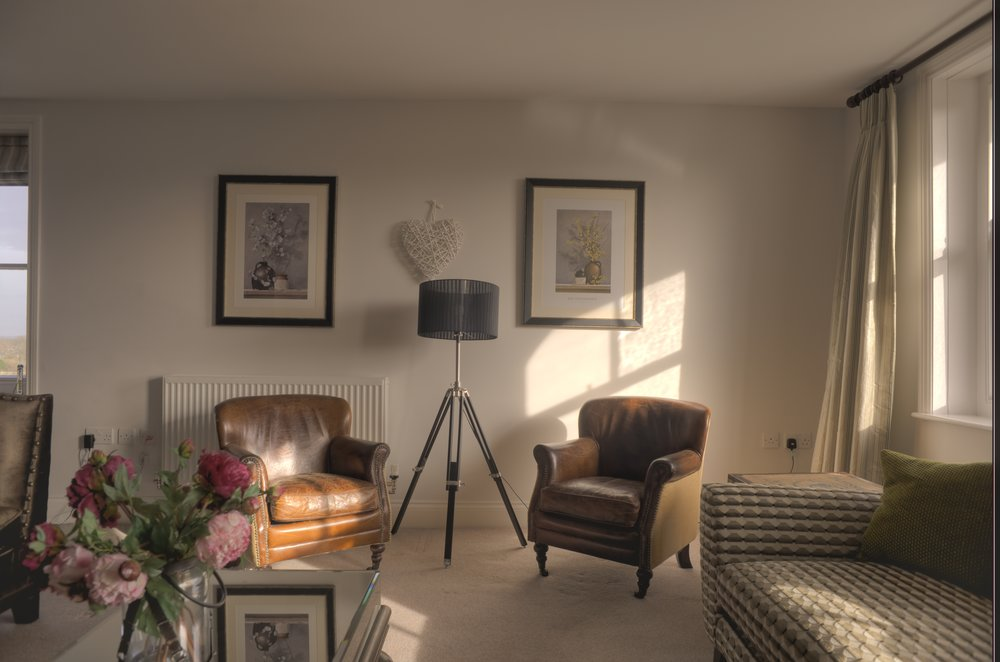 z Living Room Lft.jpg