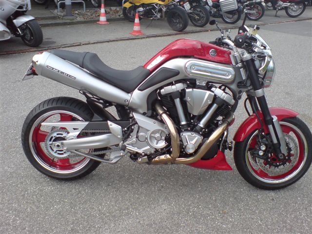 carriot Yamaha motorradlackierung.JPG