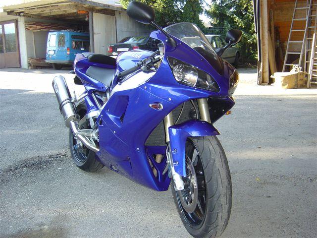 carriot Yamaha motorrad.JPG