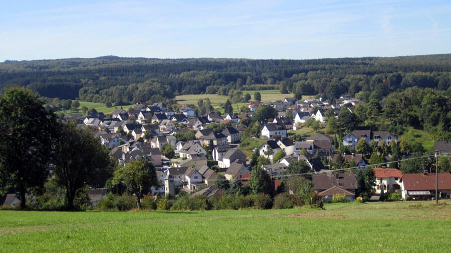 Dorfchronik Niederelbert ..