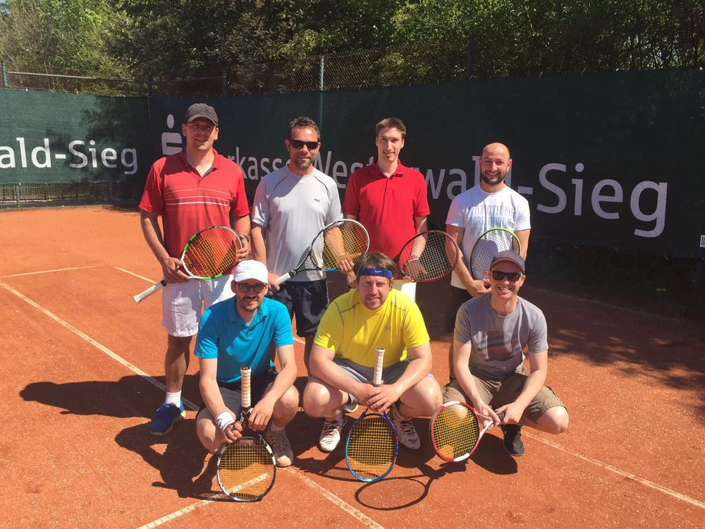 Foto: hinten links: Jens Dötsch, Frank Lenz, Thomas Kühn, Steffen Blaum, vorne links: Markus Kern, Marcel Hübinger, Boris Rücker