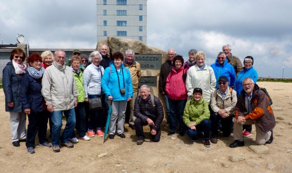 Bild: Ein Teil der Reisegruppe auf dem Brocken