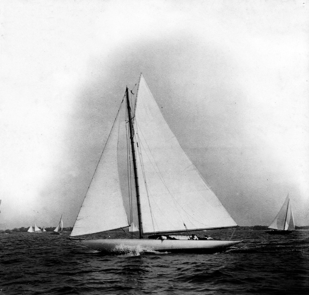 Electra, H. O. Havemeyer's Herreshoff 30 sloop, 1902