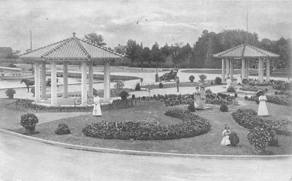 Brightwaters Pagodas, 1921