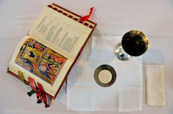 204-communion.jpg