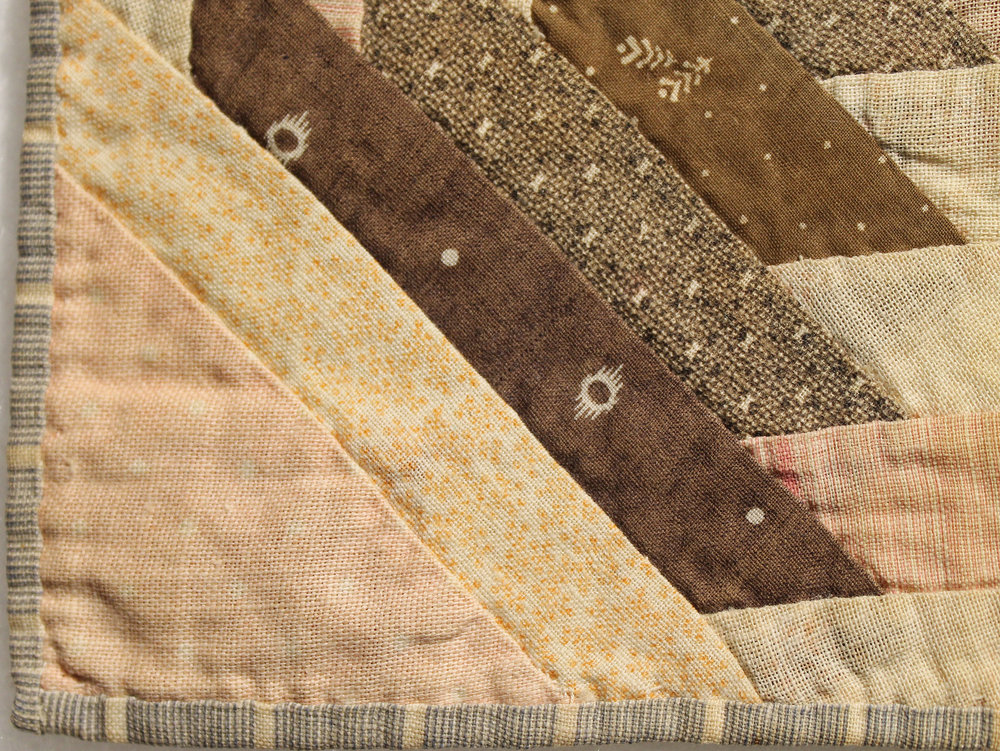 Detail of the left corner.