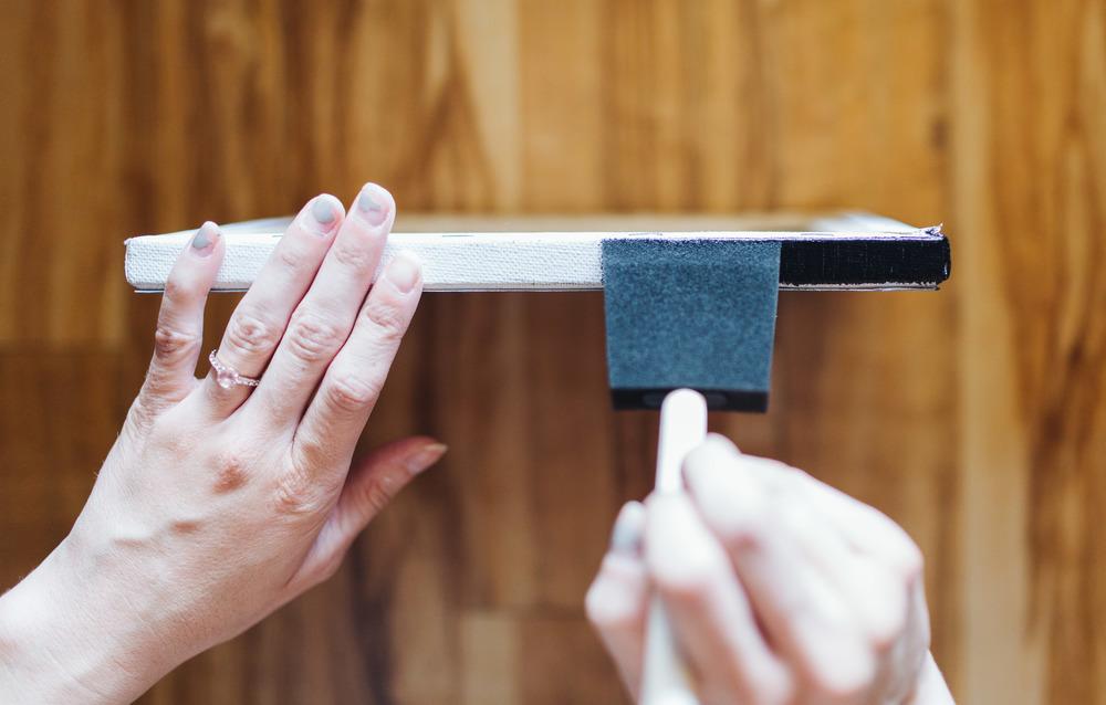 DIY canvas painting edges