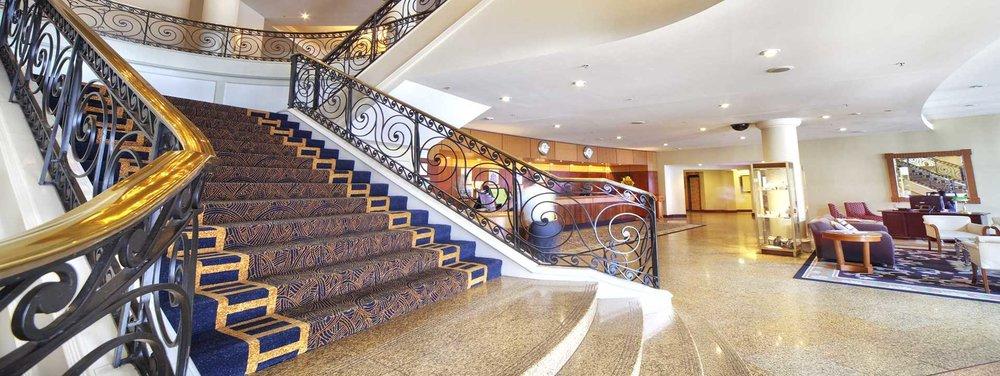 stamford-plaza-sydney-airport-3-foyer.jpg