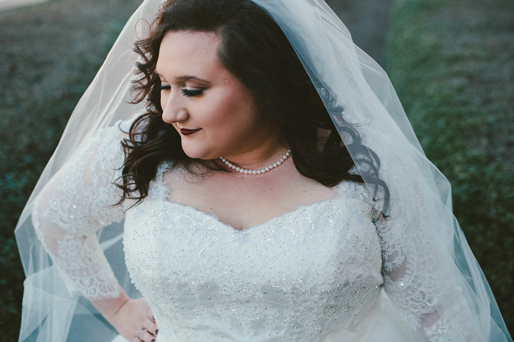 Plus Size Bride – Episode 1: Finding A Wedding Dress — Sara Touchet ...