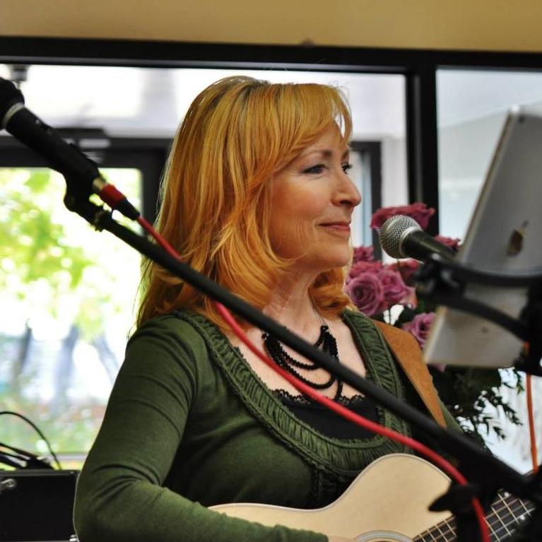 Jackie Fiske - Guitar