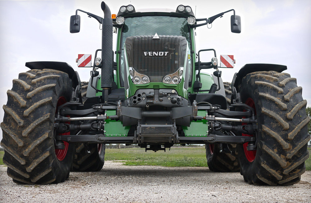 Fendt 936 Vario on 3 metre centres