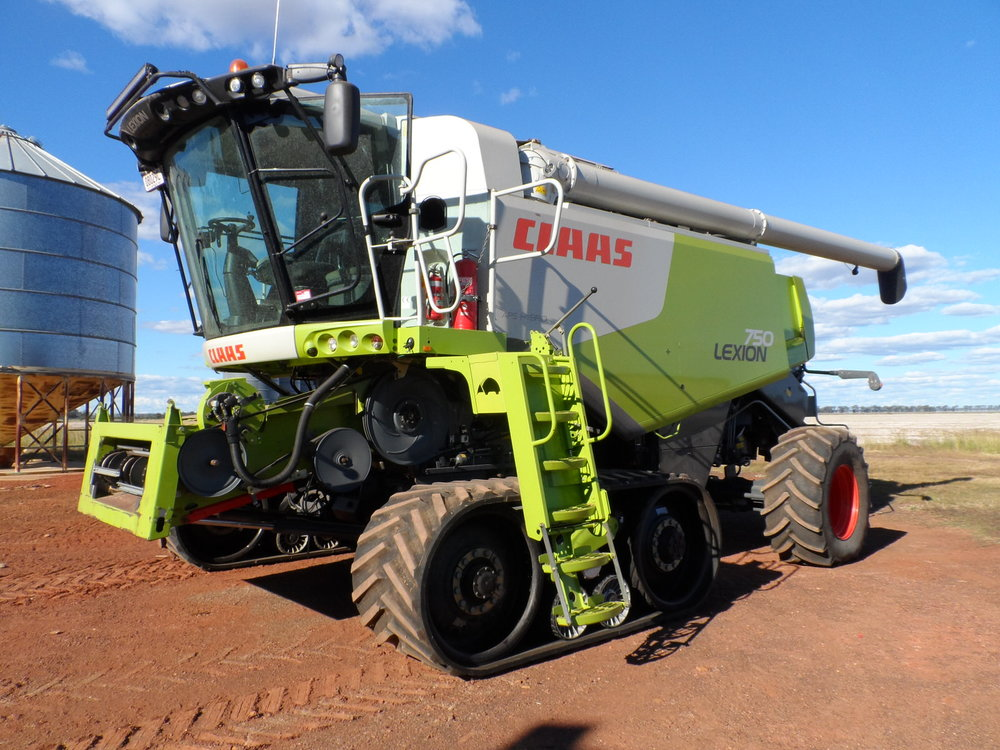 Claas 580 terra trac on 4m cetres