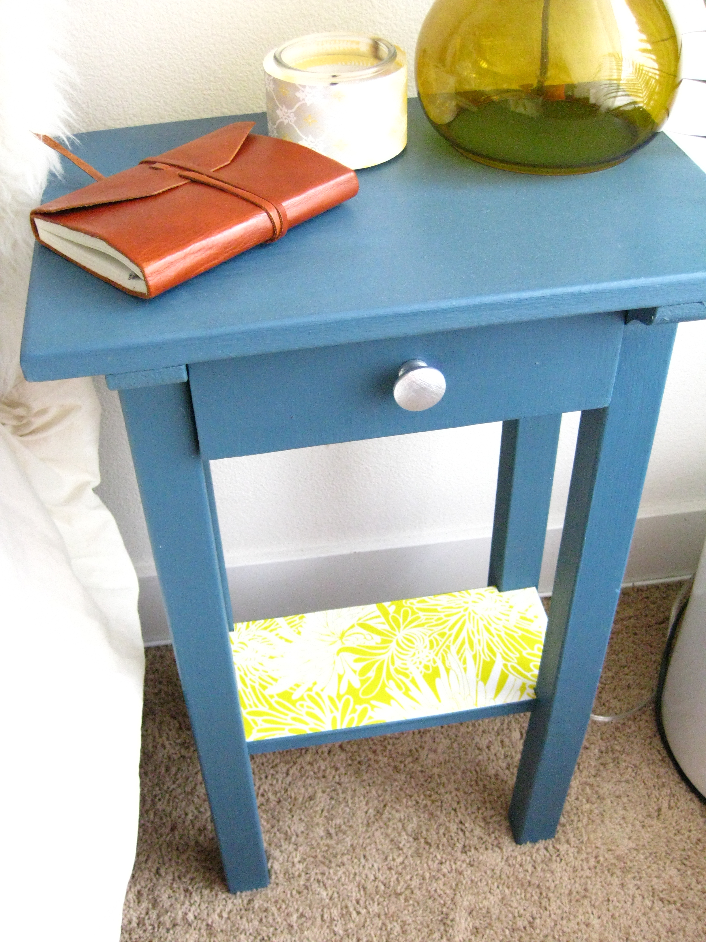Nightstand makeover 019