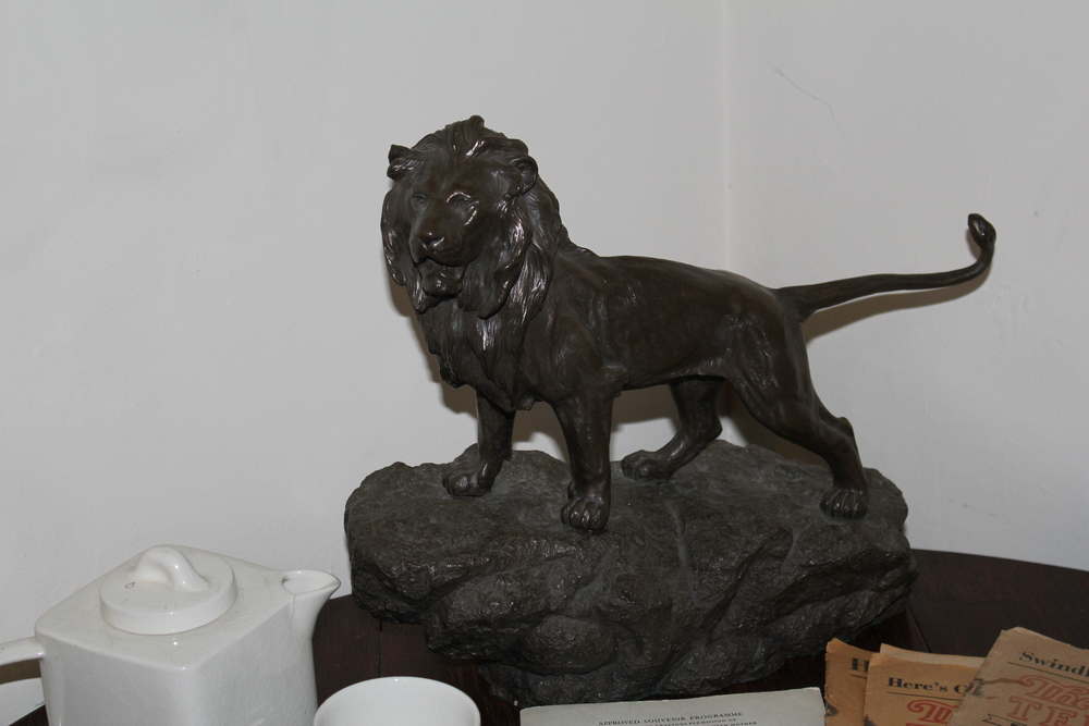 Lion paperweight, The Kilns, Oxford, England