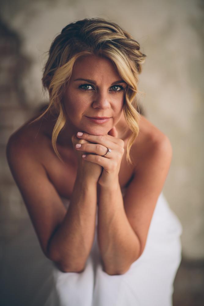 Lindsey Buckles Bridals Web0005.jpg