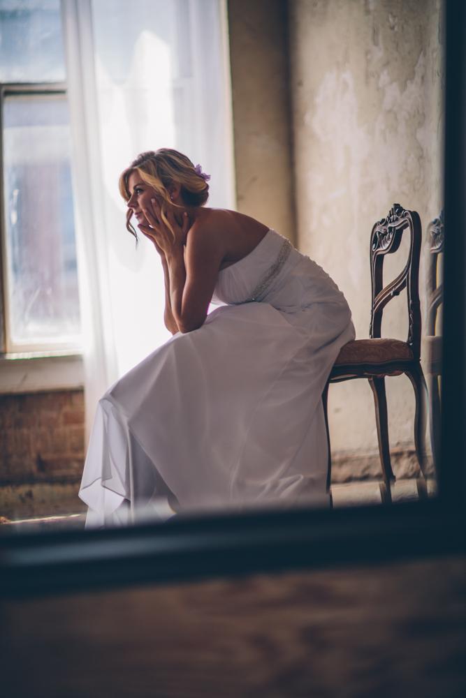 Lindsey Buckles Bridals Web0006.jpg