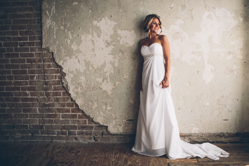 Lindsey Buckles Bridals Web0003.jpg
