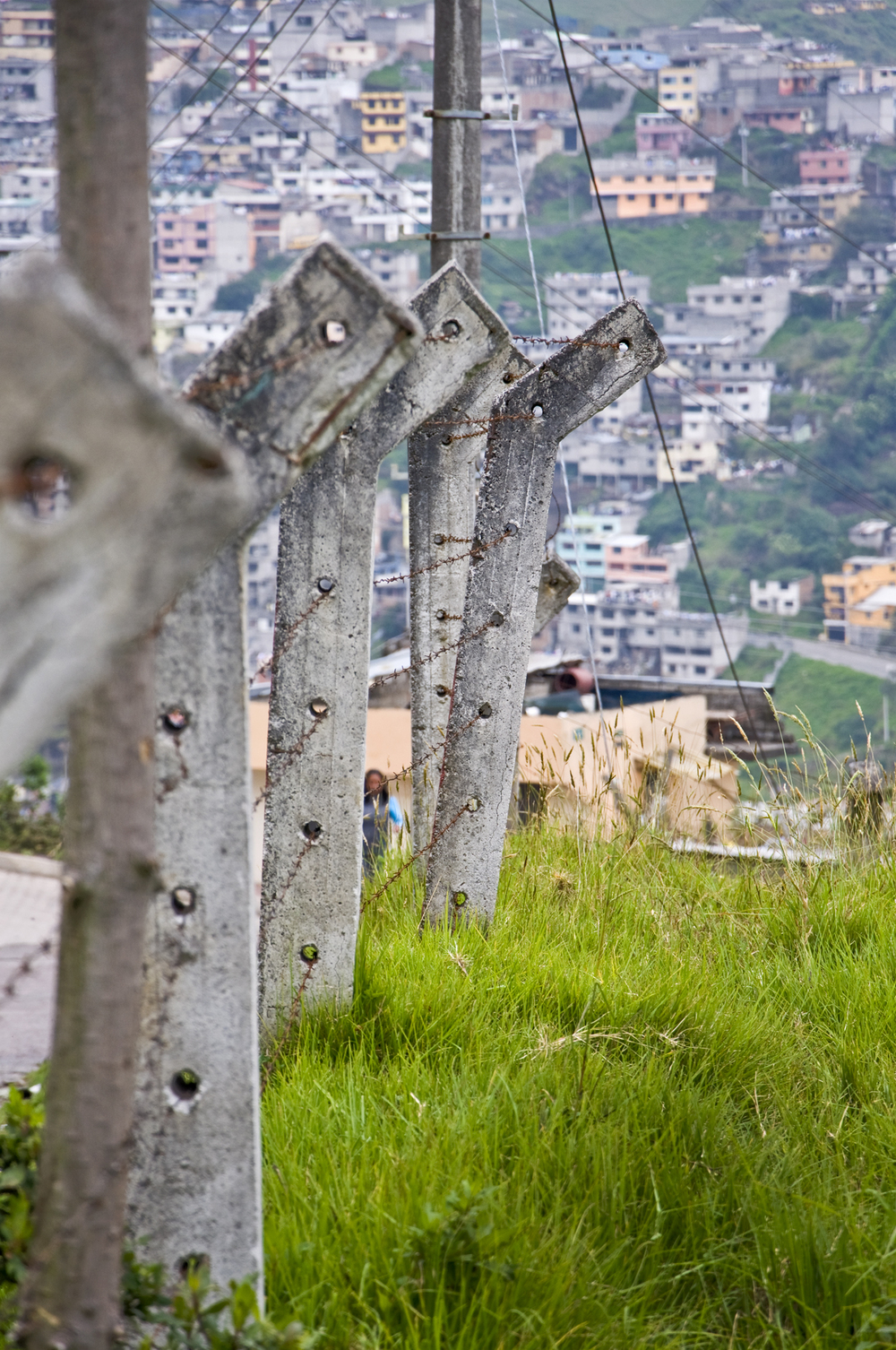 quito_fence.jpg