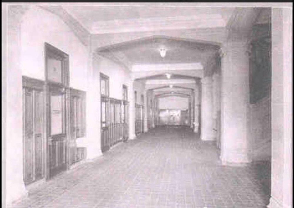 109 Glendale Street Historical hallway.jpg