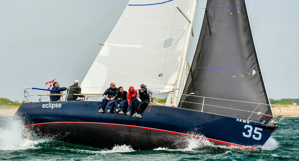 Damian Emery's J/105 ECLIPSE in the windy around the ...