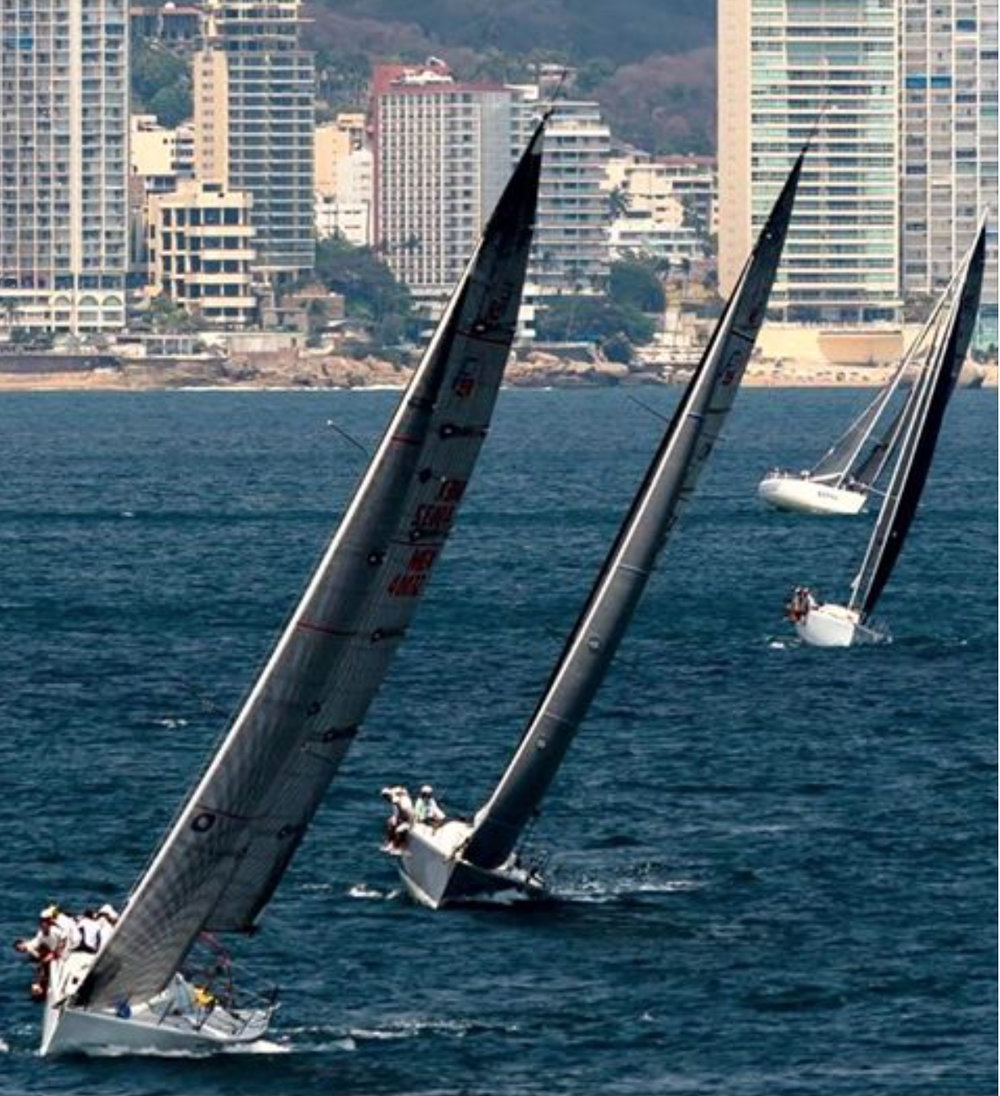 Three Farr 40s racing in Acapulco, Mexico: FRENCH KISS, NITEMARE and AKELARRE.