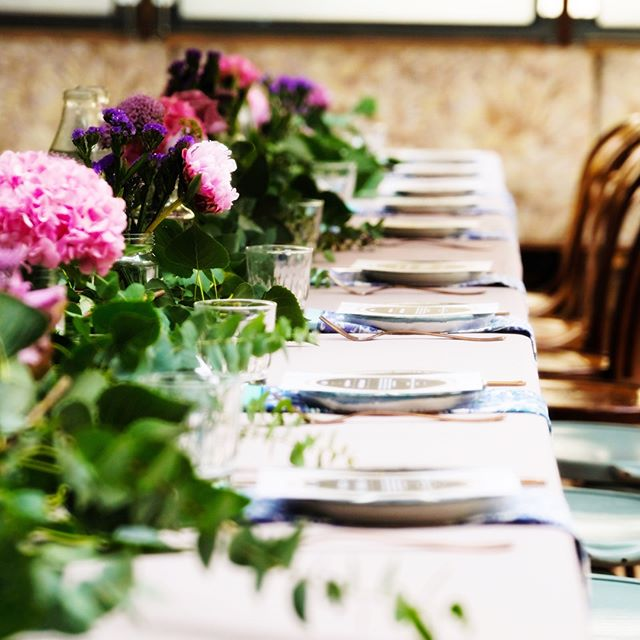 Still can't get over how gorgeous the table setting, flowers and the foods were for our #babyshower last weekend 💕 big thank you to @thegrounds and @thegroundsfloralsbysilva and all the beautiful photos by @passportcamerasuitcase 😘😘😘