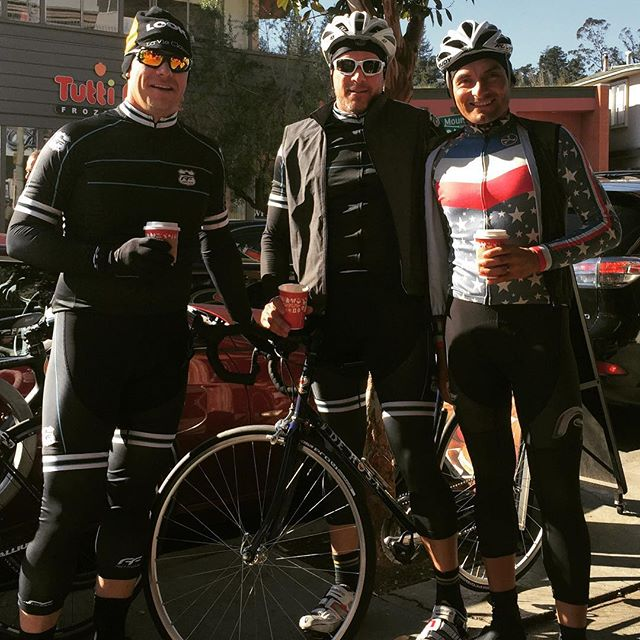 Happy Thanksgiving Coffee Ride with good friends and FFCC members.  @fastfreddiecycling #cyclingculture #cyclingpassion #cycling