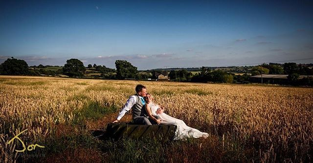 Loving weddings in Derbyshire this summer @shottlehall, #lovethesun #weddingphotographyderbyshire #shottlehall #cornfield #tractortyre #whatafind