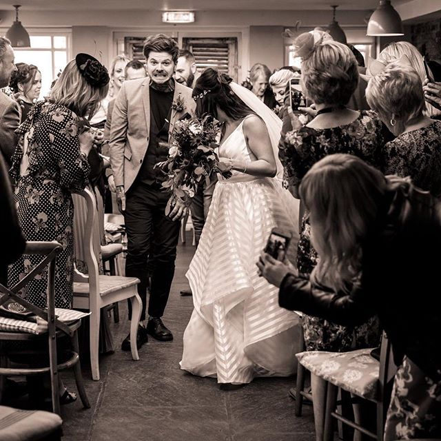 What don't you do on a wedding day? Stand on the dress... not even if your the groom!! @simslifepage #derbyshireweddingphotographer #documentaryphotography #dontstandonthedress