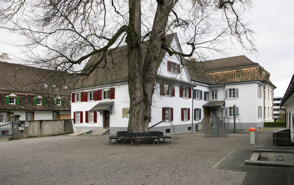 2-Rosenegg-Altbau.jpg