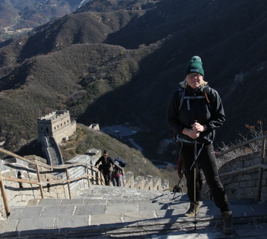 Landlady conquers fears, taking on the Great Wall for a great cause