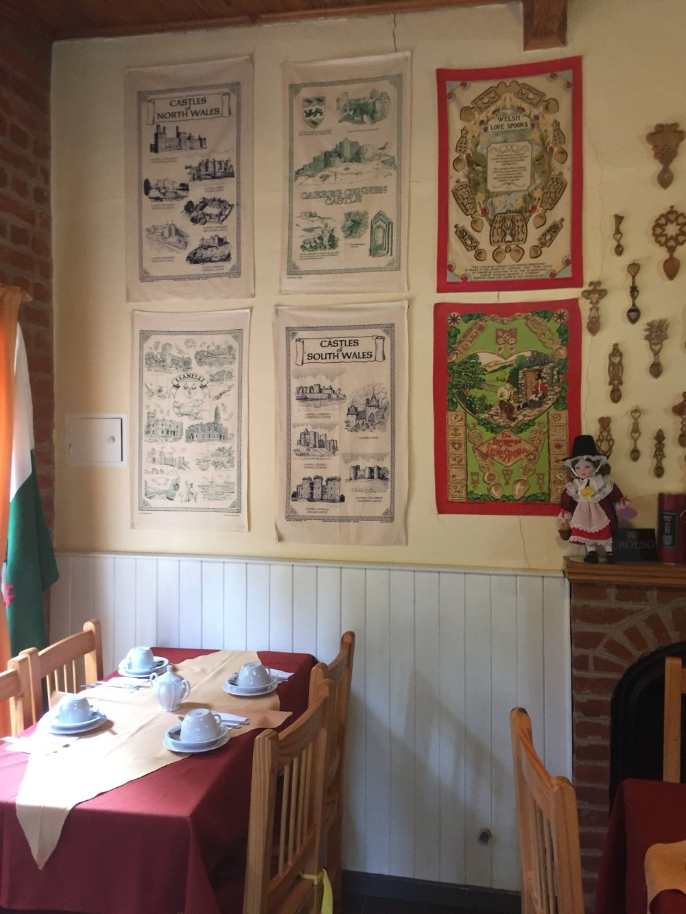 I also have that Castles of North Wales tea towel in the top left corner, but unlike mine, theirs is not stained pink by a laundry accident.