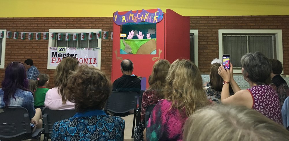 classic Three Little Pigs puppet show