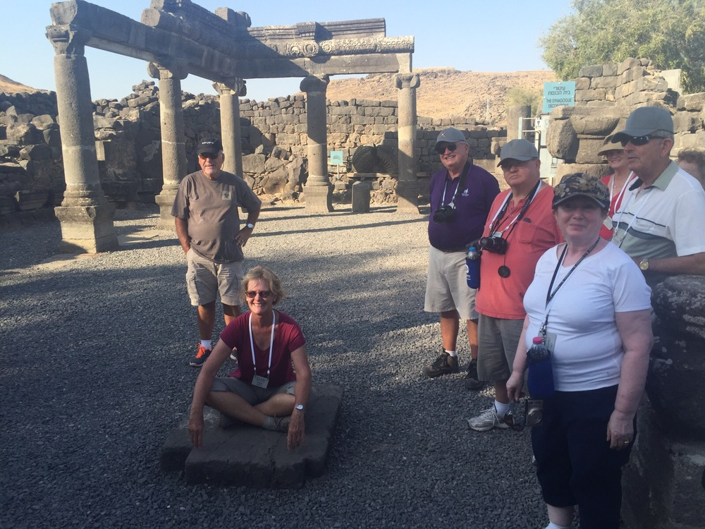 HL15 Thompson group in Ancient synagogue on Oct 18.jpeg