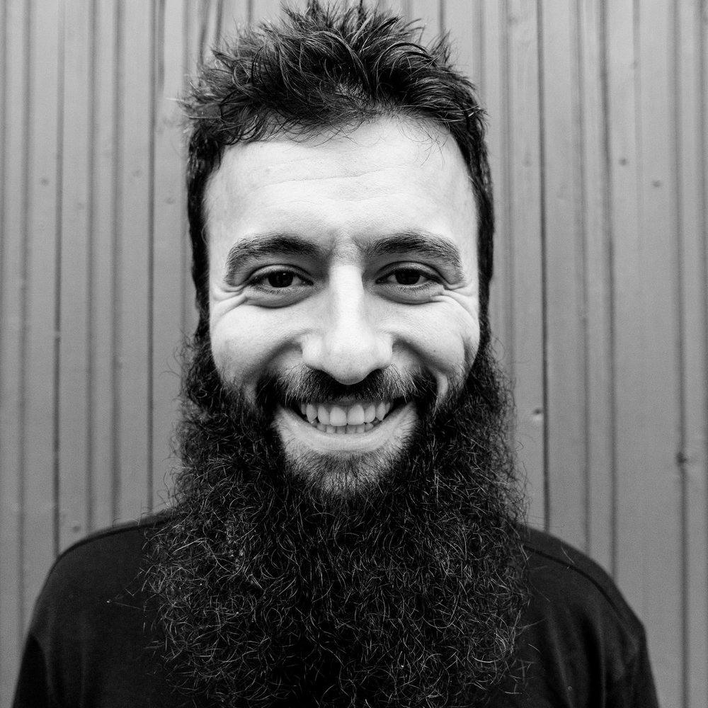 Beck Aushev  Administrator & koordinator for frivillige og universitets-praktikanter  På orlov