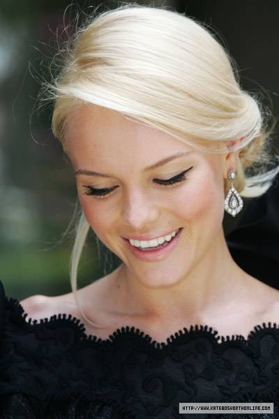 hilton head wedding hair styles up do kate bosworth