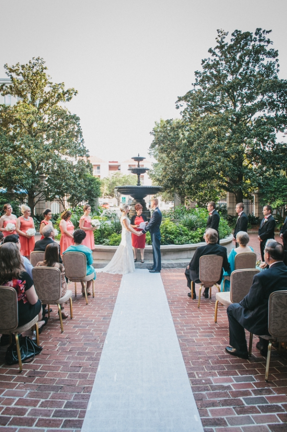 charleston-wedding-outdoor-ceremony-charleston-place-hotel