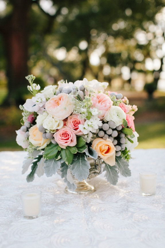 charleston wedding ceneterpieces with garden roses