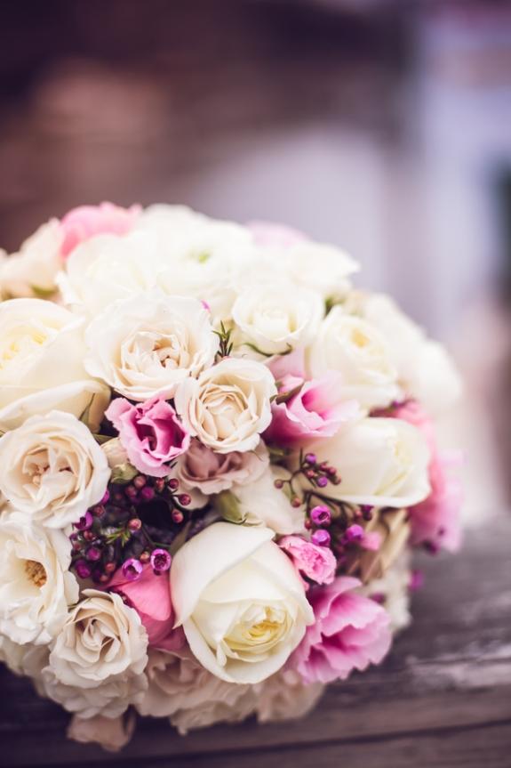 rose wedding bouquet on a lowcountry wedding blog