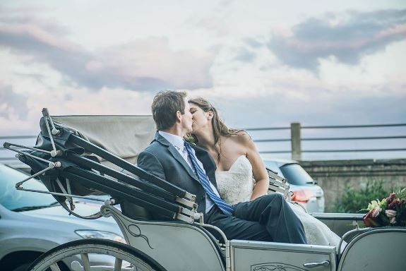 charleston-wedding-horse-and-carriage-sean-money-elizabeth-fay-41