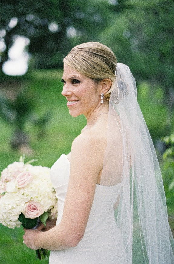 charleston bride in wedding veil
