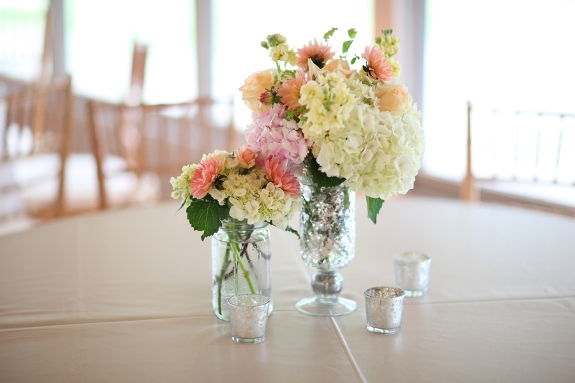 charleston-weddings-hydrangea-centerpieces