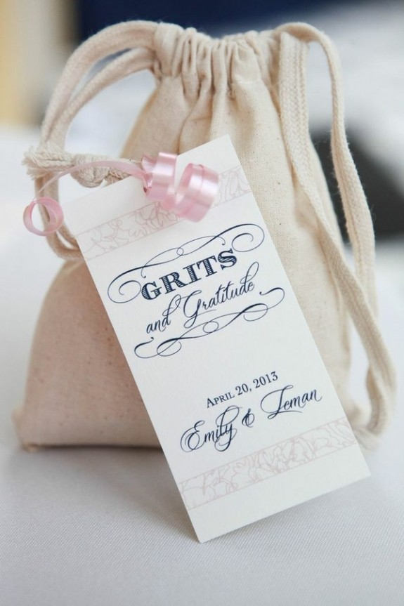 shrimp-and-grits-wedding-favors