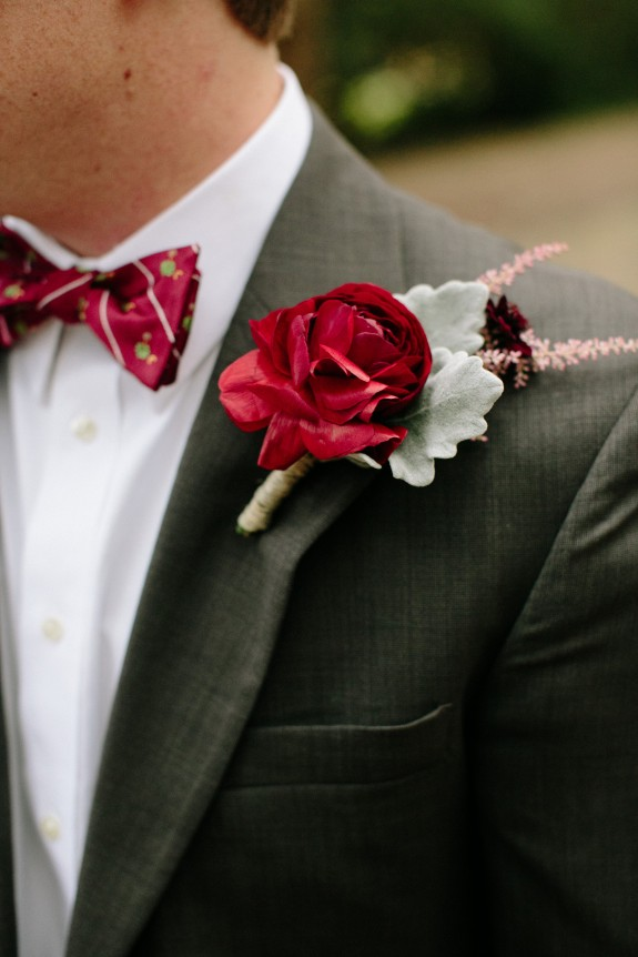 red-boutonniere-dusty-miller