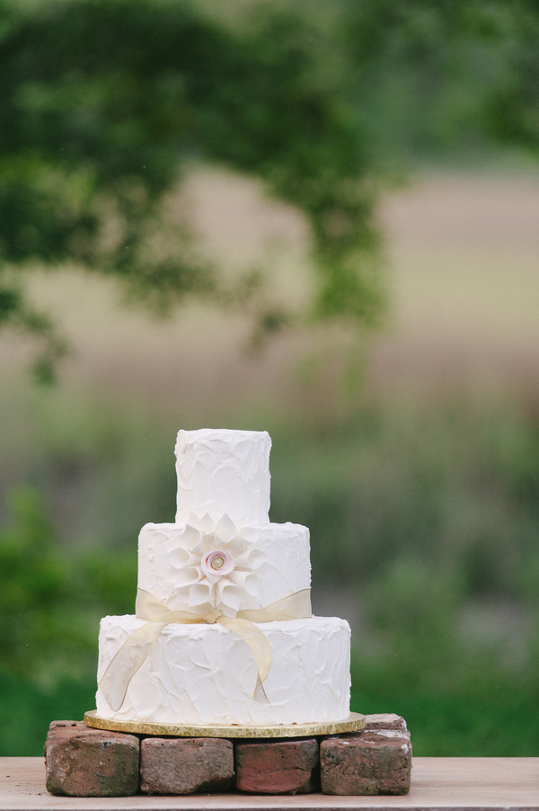 Lowcountry wedding cake